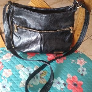 KENNETH COLE REACTION Black leather purse